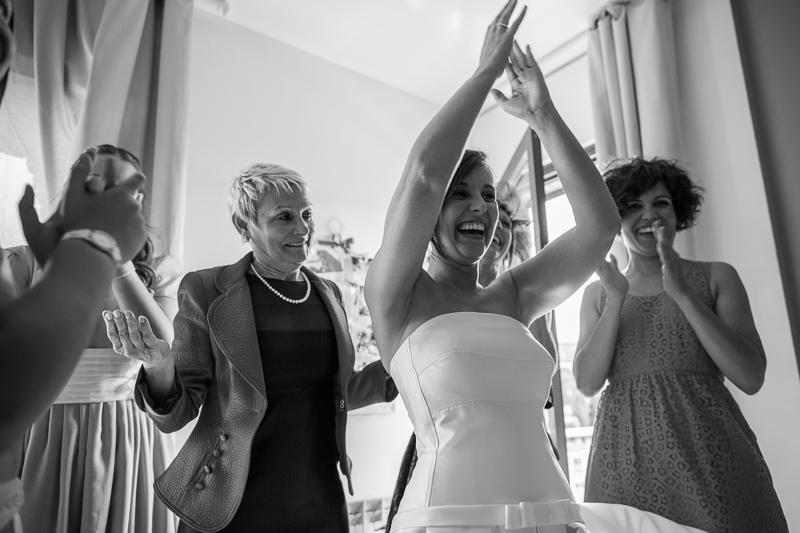 La novia arreglándose - Boda en Tarragona - Paris Berlin Wedidng Planners