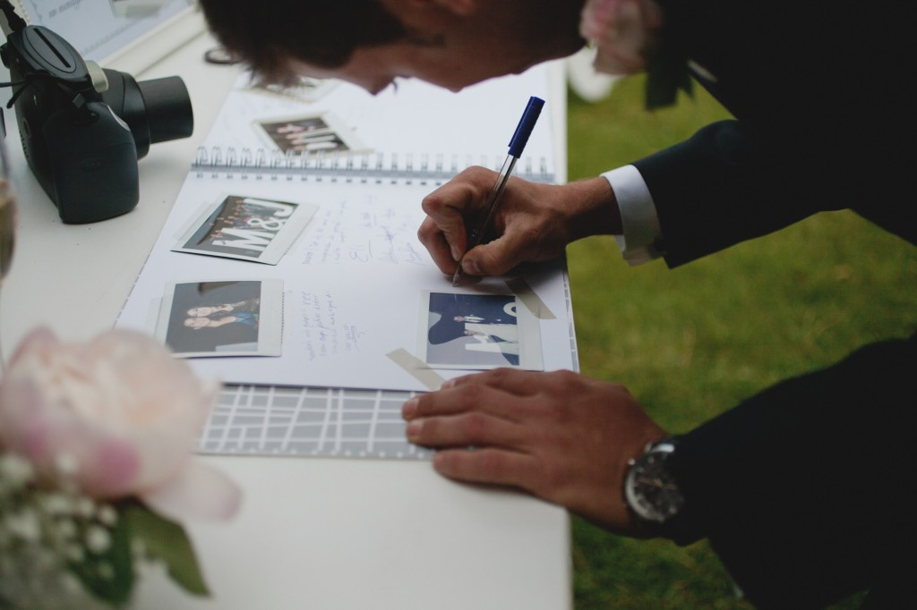 Mesa de firmas - Boda en Tarragona - Paris Berlin Wedidng Planners