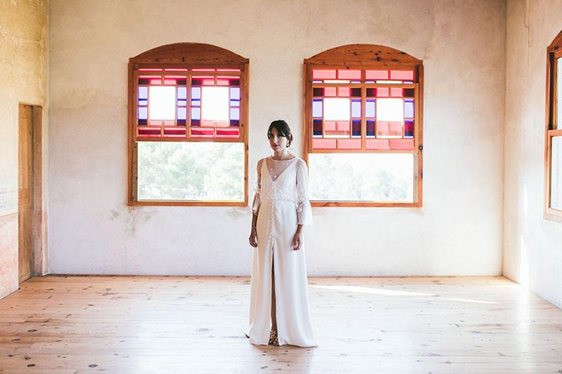 vestido novia mangas falda abierta