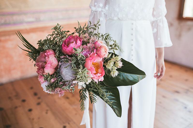 ramo novia protea peonia