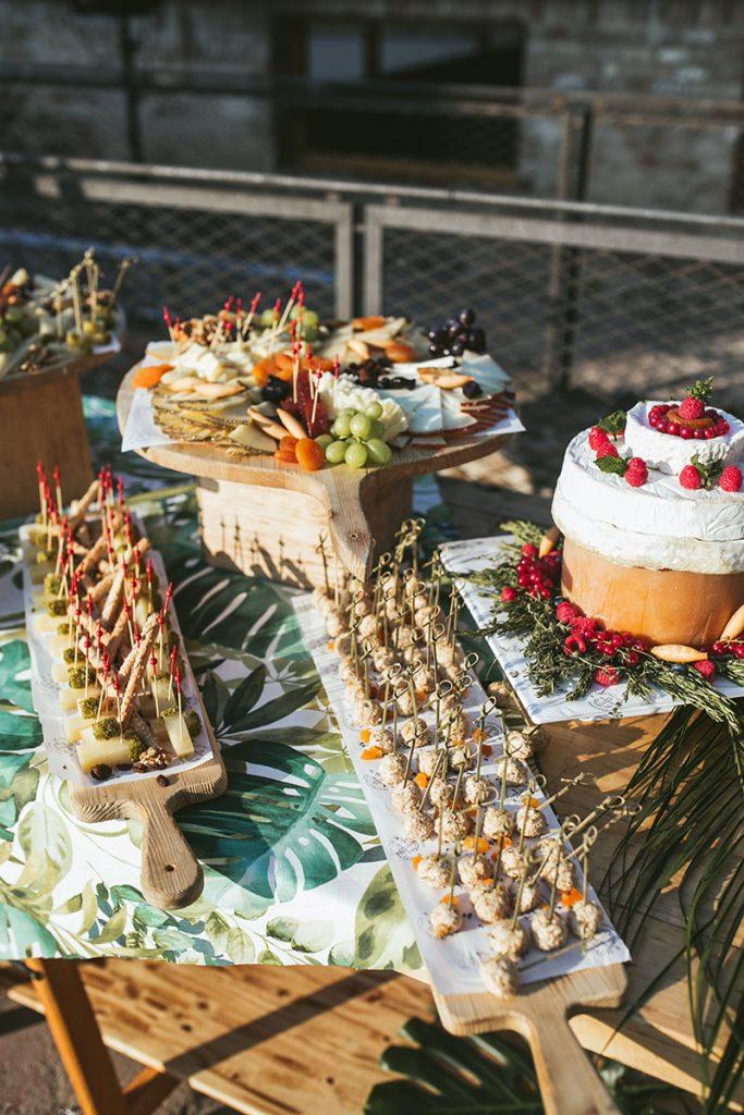 decoracion buffet quesos boda