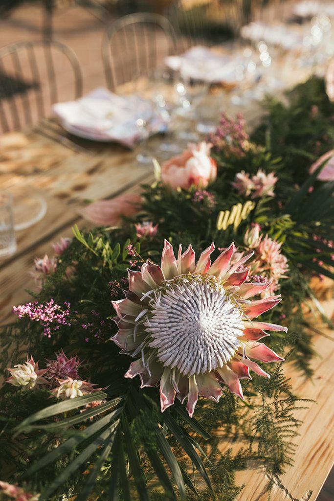 centro de mesa guirnalda protea