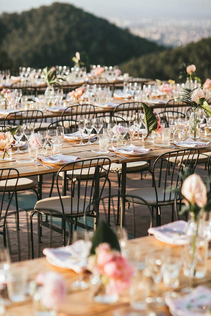 mesas madera boda sillas forja