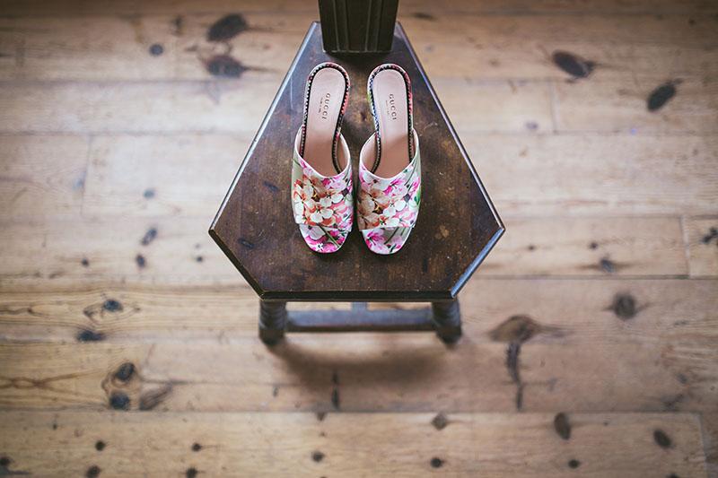 zapatos novia flores gucci